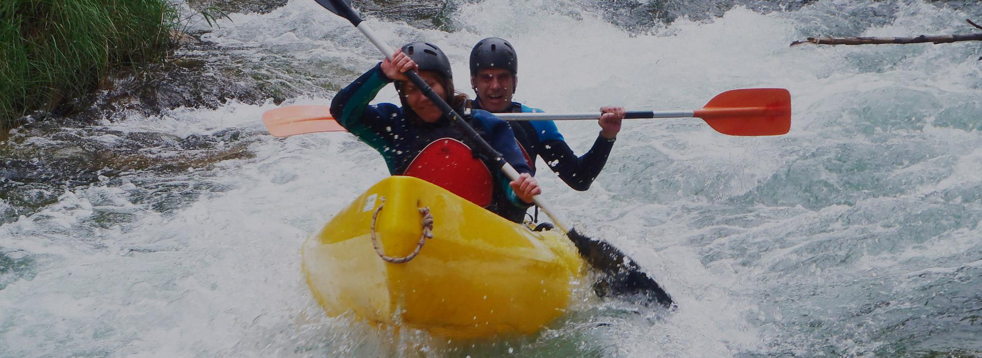 Descenso en canoa canadiense